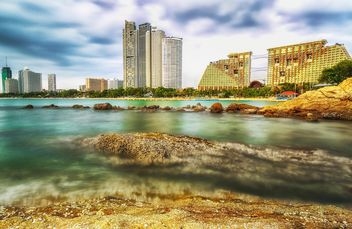 Buildings on Pattaya beach - бесплатный image #186107
