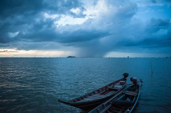 Heavy clouds on the sea - image gratuit #186457