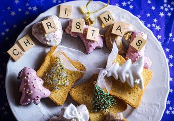 Christmas cookies on the palte - Free image #187307