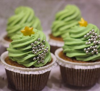 Green Christmas cupcakes - image gratuit #187337