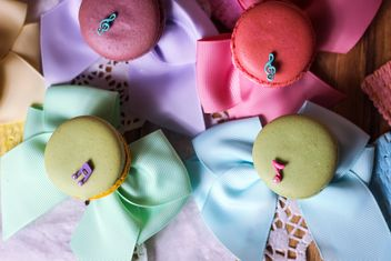 Colorful macaroons and cookies - image gratuit #187607