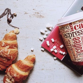 Croissants and coffee for breakfast - Kostenloses image #198417