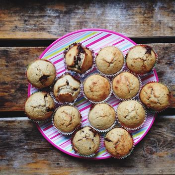 Muffins with bananas and chocolate - Free image #198467