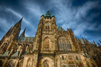 old church on sky background,st. vitus cathedral - бесплатный image #198597