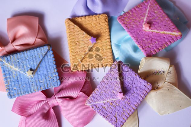 Cookies With A colorful Bows - image gratuit #201007