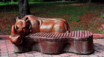 Sculptural bench - image gratuit #229387