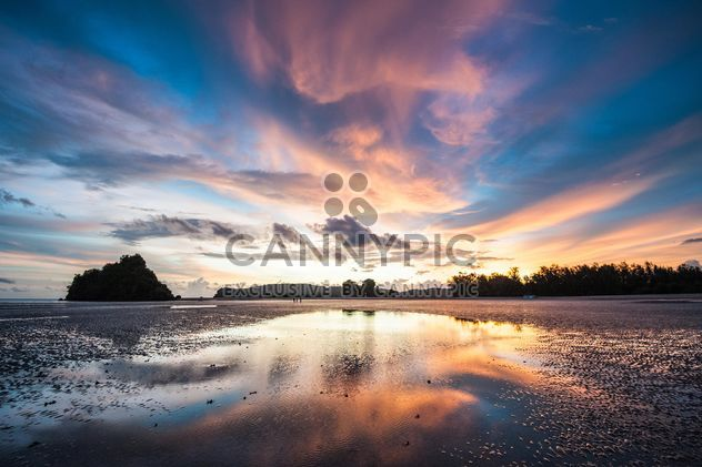 Evening on cloudy islands - image #271837 gratis
