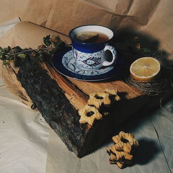 winter still life with tea and cookies - image gratuit #272177