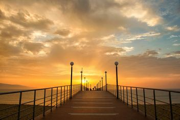golden sunrise on the seaside #sunrise #sun #sunset #sea #seaside #seascape #landscape #outdoor #travel #vacation #world #trip #blacksea #gold #golden #orange #sky #relax #morning #lonely#warm - image gratuit #272307
