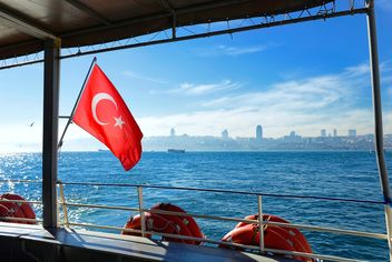 turkish flag on a ferry - image gratuit #272507