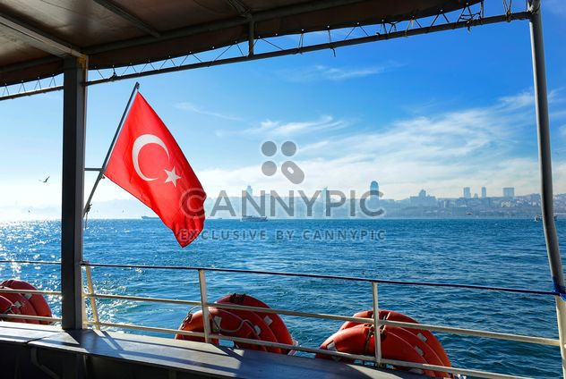turkish flag on a ferry - бесплатный image #272507