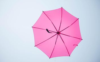 Pink umbrella hanging - бесплатный image #273087