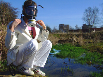 white man with gas mask - image #276877 gratis