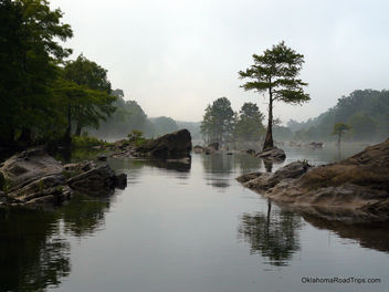 Rock Garden On The River - image #284387 gratis