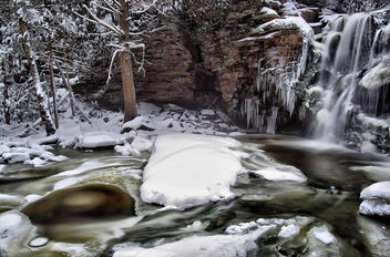 Wintry Waterfall - Kostenloses image #285997