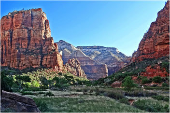 Along the Virgin, Zion NP, Angel's Landing Trail 5-1-14q - image gratuit #292307
