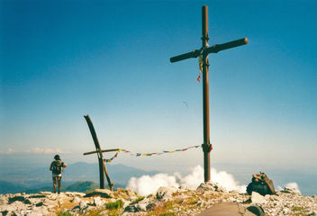 The two crosses on the ridge of Pania della Croce (1859m) - Free image #293507