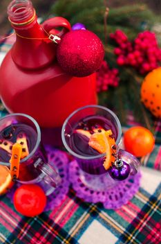 hot mulled wine in beautiful glasses - image #297527 gratis