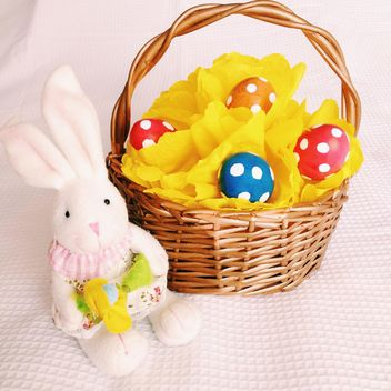 Easter eggs and rabbit - image gratuit #301367