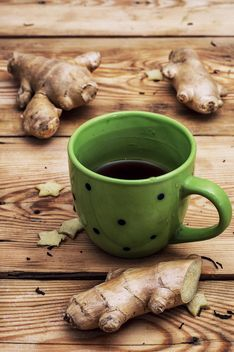 Cup of tea and ginger root - image #302077 gratis