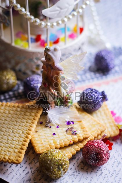 Winged Fairy with cookies - image gratuit #302497
