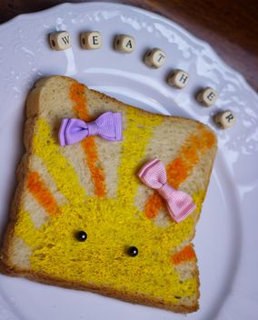 Painted toast bread - image gratuit #302517