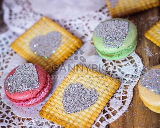 Cookies decorated with glitter - image gratuit #303257