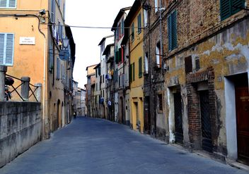 Houses in streets of Florence - image #304767 gratis