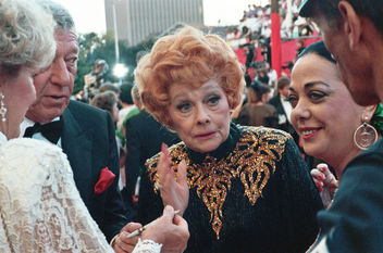 One of the last photographs of Lucille Ball (hi-res scan) - image gratuit #307647