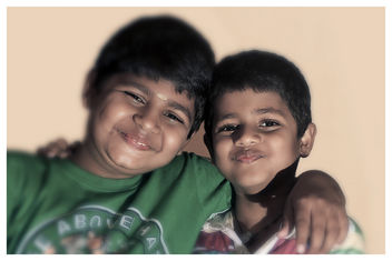 two little smiling brothers - image gratuit #320427