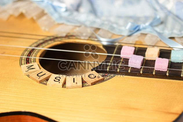 Sugarcubes on guitar fretboard - Free image #326527