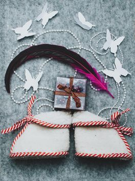 Tiny boots, gift and feather - image #327287 gratis