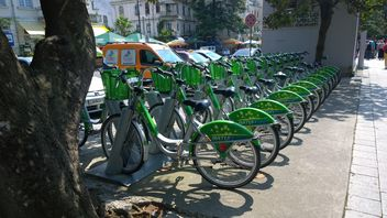 Green Rental Bicycles in Batumi, Georgia - Kostenloses image #330307