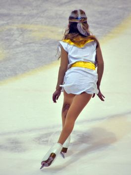 Ice skating dancer - image gratuit #330927