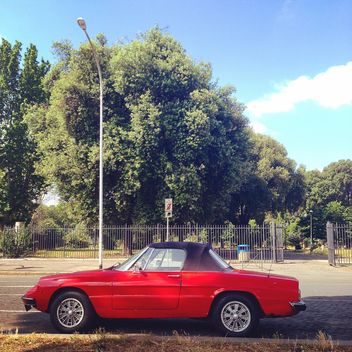 Retro red Alfa Romeo Duetto - image #331157 gratis