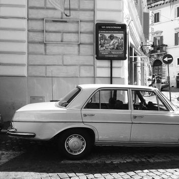 Old Mercedes car - image #331167 gratis