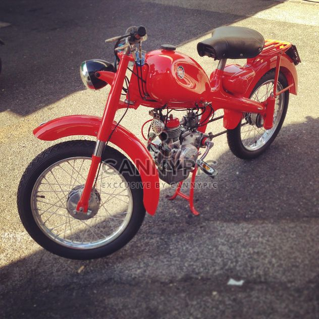 Red Motom 48 motorcycle - Kostenloses image #331487