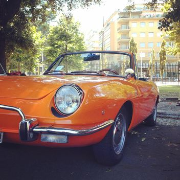 Old orange car - image #331617 gratis