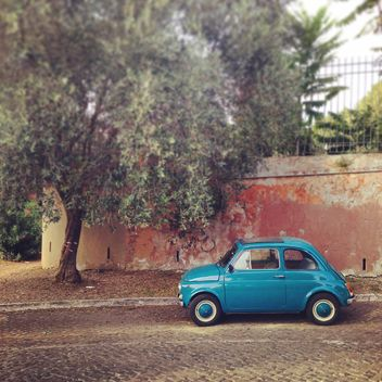 Blue Fiat 500 car - image #331647 gratis