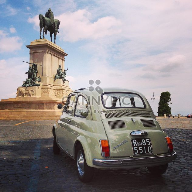Fiat 500 on the square in Rome - Free image #331897