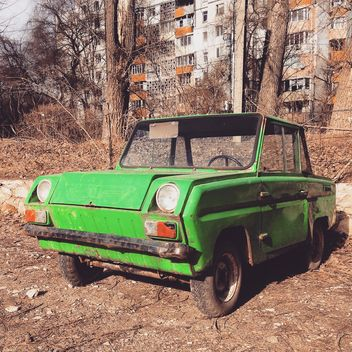 Old green small car - image gratuit #332067