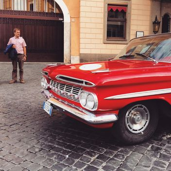 Old red car - image gratuit #332167