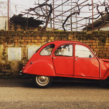 Red Citroen car - image gratuit #332337