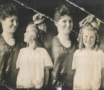 Loving mother and daughter photo strip portrait - Kostenloses image #336927