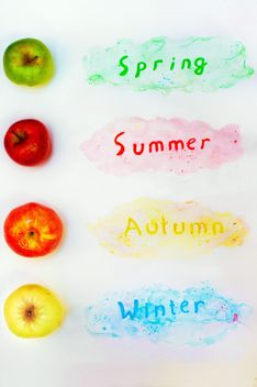 Colorful apples and seasons - image gratuit #337867