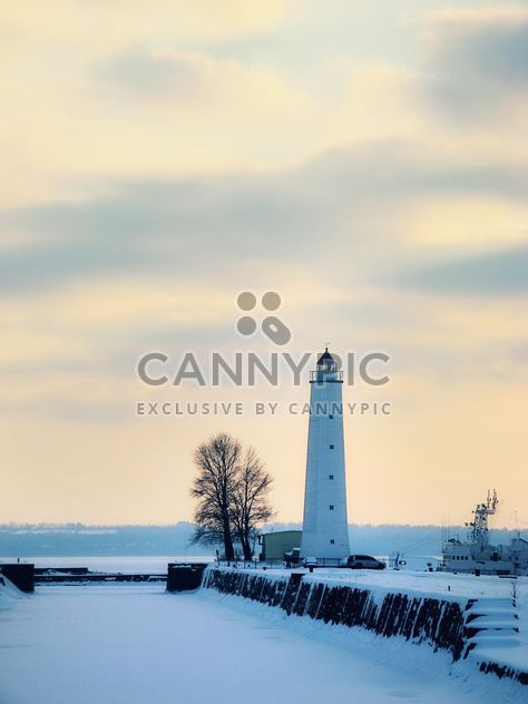 a winter lighthouse - image gratuit #342867