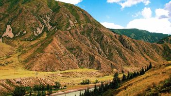 Beautiful highland landscape of Altai mountains - бесплатный image #345087