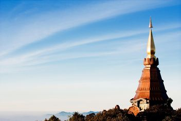 Doi Inthanon pagoda against blue sky, Chiangmai, Thailand - бесплатный image #346297