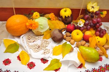 Fresh autumn fruits and vegetables - image #346627 gratis