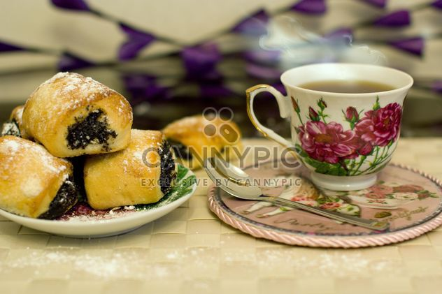 Cup of hot tea with cookies - Free image #347987